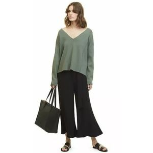 COUNTRY ROAD KHAKI V-NECK RELAXED FIT JUMPER M